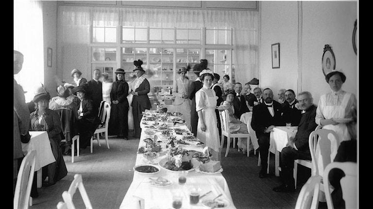 Matsalen i Årsta var en av Baltiska utställningens populäraste restauranger 1914 - Foto Albert Wilhelm Rahm, Malmö museer