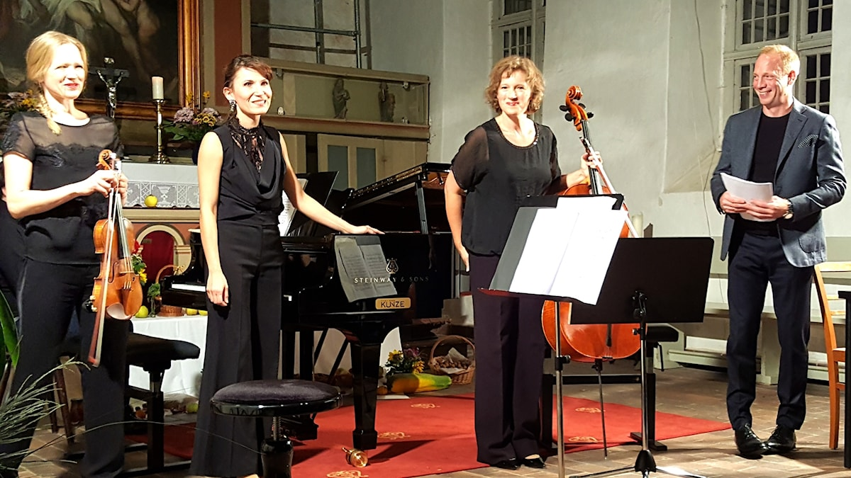 Boulangertrion: Ilona Kindt, Karla Haltenwanger, Birgit Erz och skådespelaren Johann von Bülow.