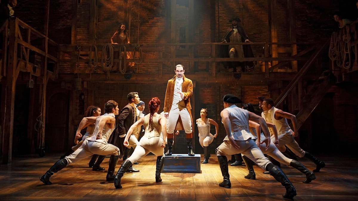 Javier Munoz som spelar Hamilton i musikalen Hamilton. Foto: Joan Marcus.