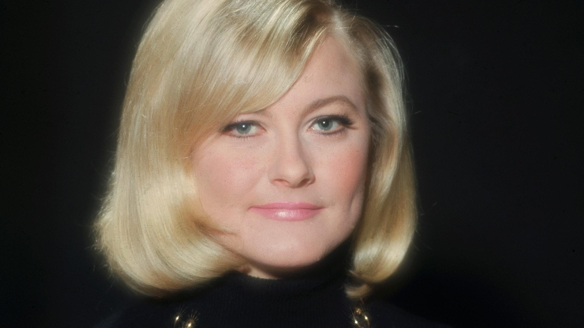 Monica Zetterlund del 2/2: En väv av guldbrokad och vadmal spunnen
