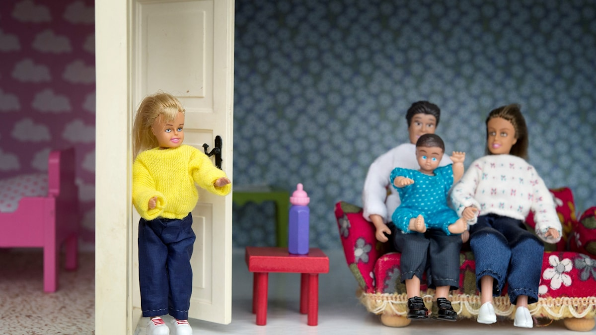 barbiedockor i familjesituation