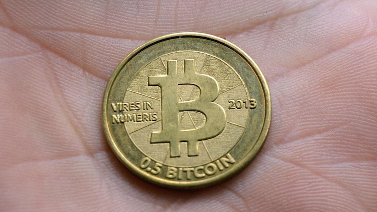 Det finns ett litet antal fysiska bitcoins i cirkulation. Foto: Niklas Zachrisson