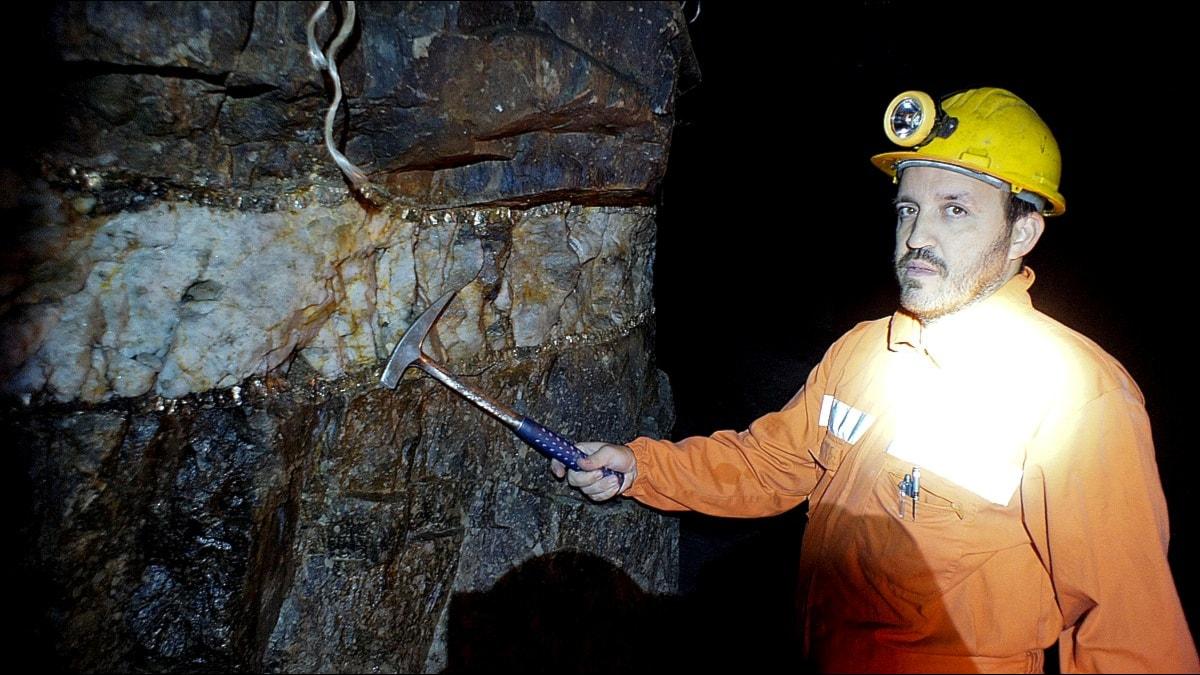 Mineralådra visas av Romeu Vieira. Foto: Per Gustafsson/SR