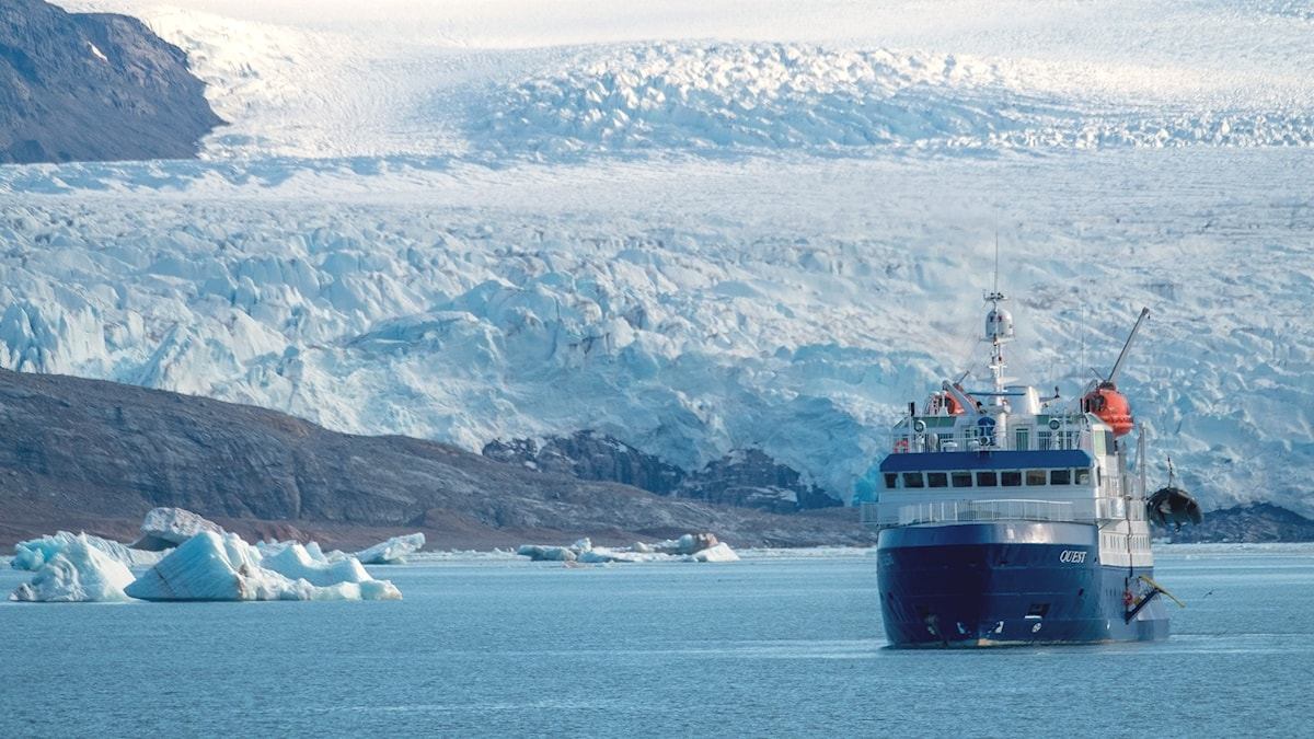 Kryssningsfartyget Quest på Svalbard