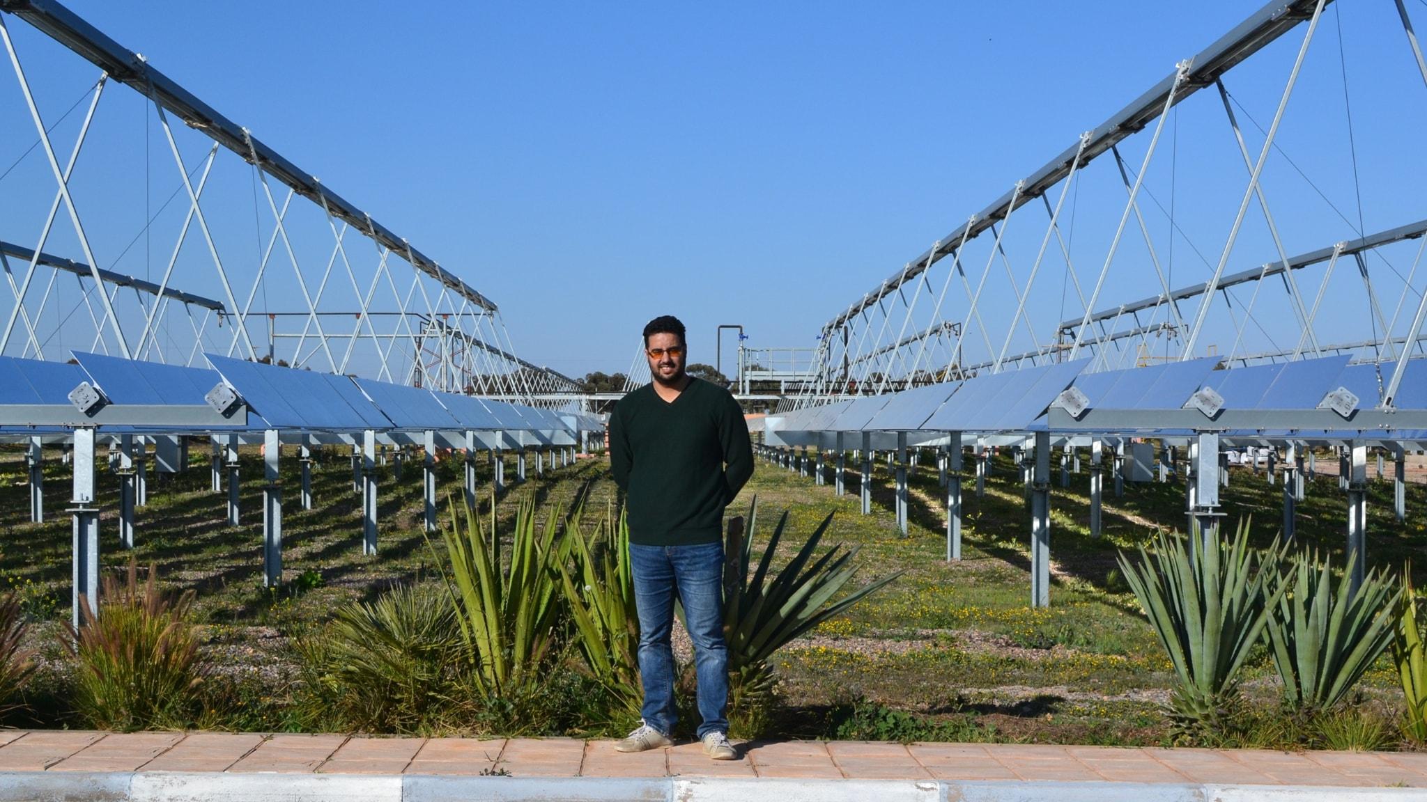 El Ghali Bennouna vid solkraftverk