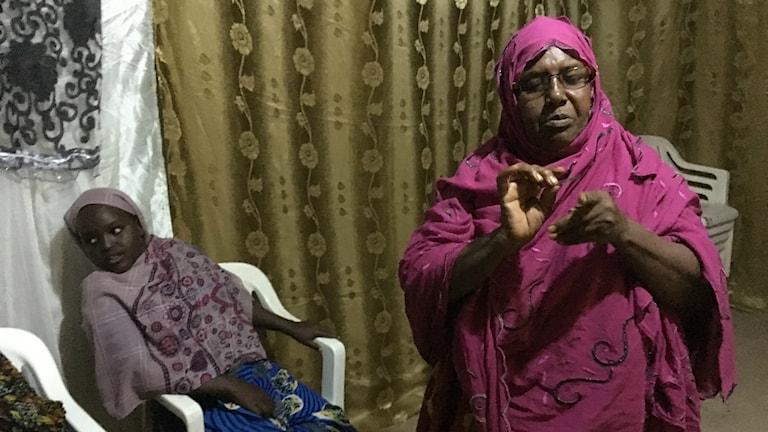 14 åriga Mouna i Djibouti slipper omskärelse. Aicha har slutat omskära.