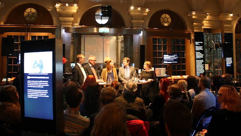 Jesper Rönndahl, Hans Forssberg, Linda Westin, Lars Samuelson och Karin Gyllenklev. Foto: Matilda Kihlberg/SR