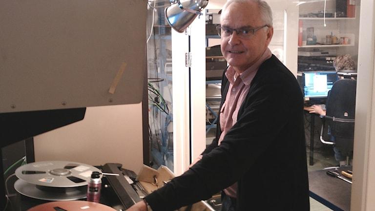 Stig-Lennart Molneryd, teknisk expert på Kungliga bibliotekets avdelning för Digitala samlingar. Foto: Marie Granmar