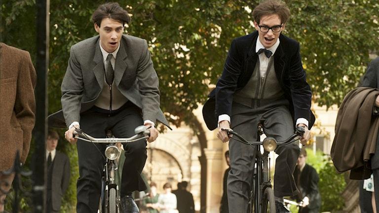 Filmkaraktärerna cyklar
