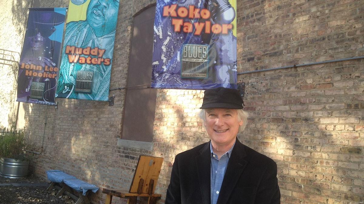 Michael Dietler utanför Chess Studios, legendarisk blues-studio i Chicago. Foto: Lena Nordlund