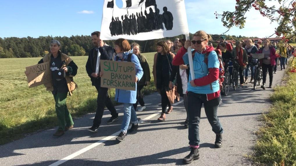 Här demonstrerar forskarna för klimatet