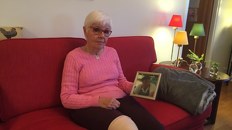 Ulla Brännerud i Stockholm med maken Arnes porträtt