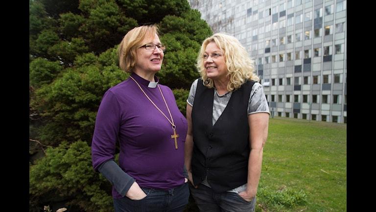 Tuulikki Koivunen-Bylund och Elisabeth Ohlson-Wallin. Foto/ SR Julia Blomgren.