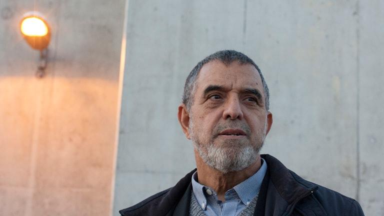 Imamen Mohamed El Fatihi utanför fängelset i Maxeville-Nancy i nordöstra Frankrike. Foto: Anna Trenning-Himmelsbach