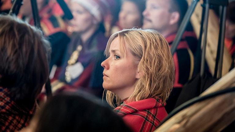 Sametingspolitikerns Marie Persson anser att Svenska kyrkan sänder kluvna signaler när det gäller samers rättigheter. Foto: Carl-Johan Utsi/TT