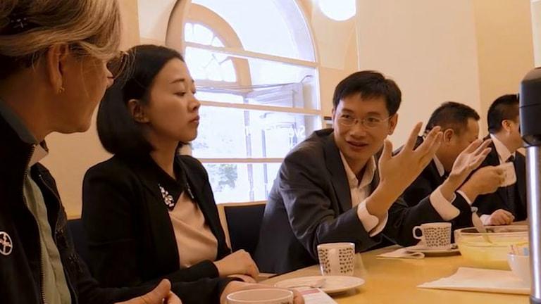 Kinas kristna råd under Sverigebesöket i Uppsala. Till höger Gu Mengfei. Foto: Svenska kyrkan