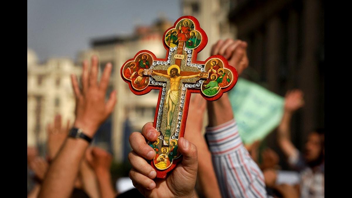 Hur säkert är det att visa sin kristna tro?