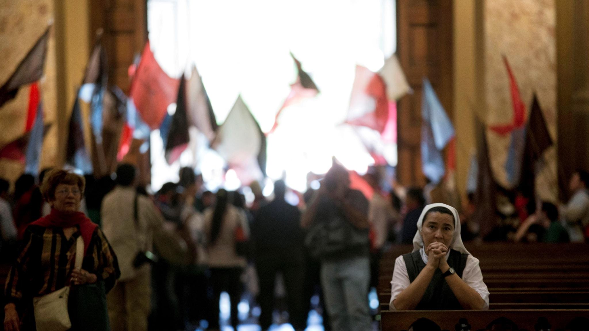 """""""Spänningar och samspel mellan religion, stat och politik"""""""