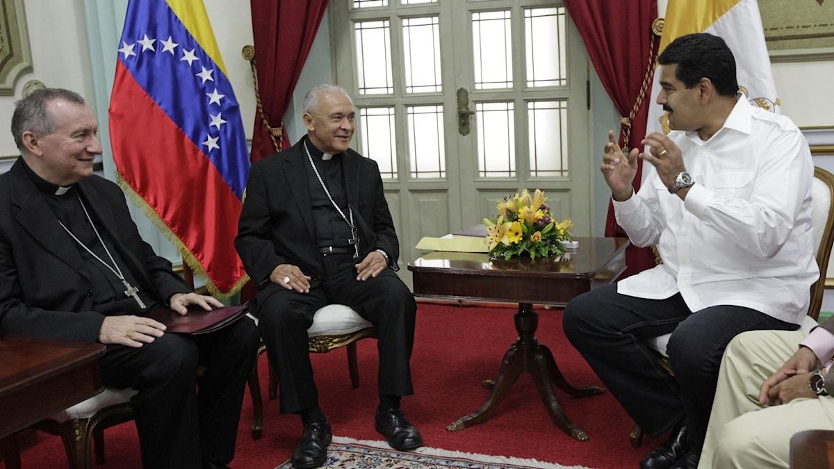 Pietro Parolin, Diego Rafael Padron Sanchez, Nicolas Maduro