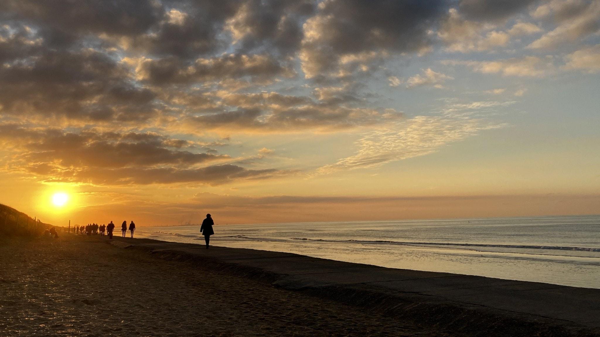 Strand vid solnedgång