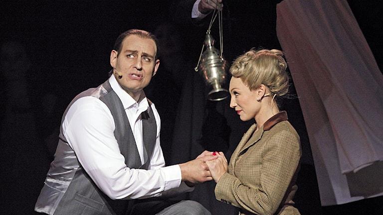 Fred Johanson och Charlotte Perrelli.
