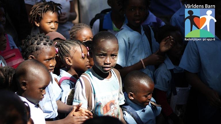 Världens barn i P4. Skolbarn i Moçambique.