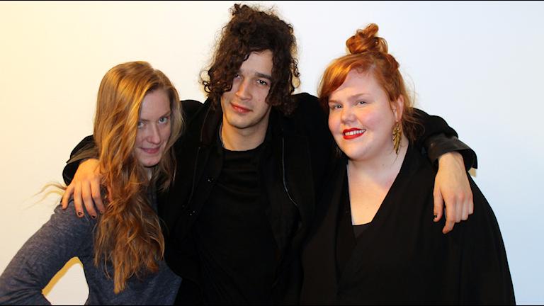 Bild på Sara Kingberg, Matt Healy och Linnea Wikblad