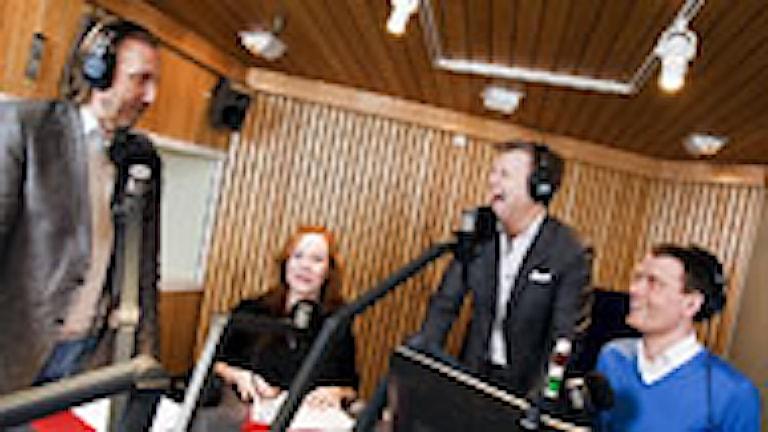 Public Service i P1 med Erik Blix, Rachel Mohlin, Göran Gabrielsson och Mattias Konnebäck. Foto: Mattias Ahlm/SR.