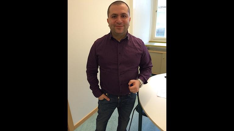 Mikhael Mikalides, lärare på Vårbyskolan