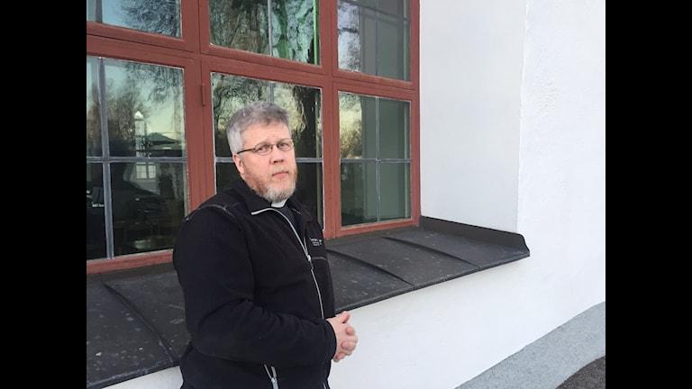Prästen Pontus Gunnarsson har drygt en månad levt med samma inkomst som en asylsökande.