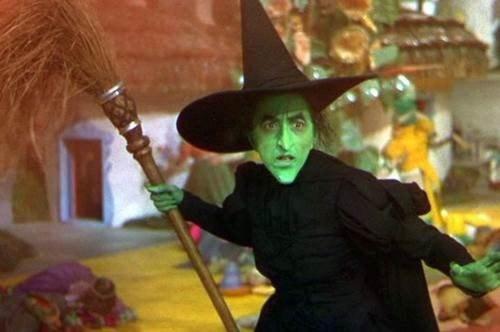 Den elaka häxan i Trollkarlen från Oz.