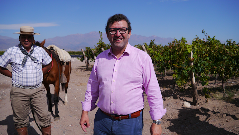 José Manuel Ortega driver vingården O Fournier i Uco-dalen i västra Argentina.
