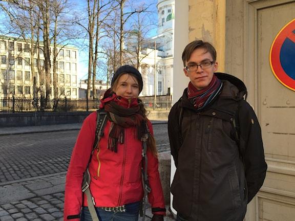Annukka Debenjak, arkeologstudent och Niko Anttiroiko, nybliven magister, är missnöjda med utbildningspolitiken i Finland.