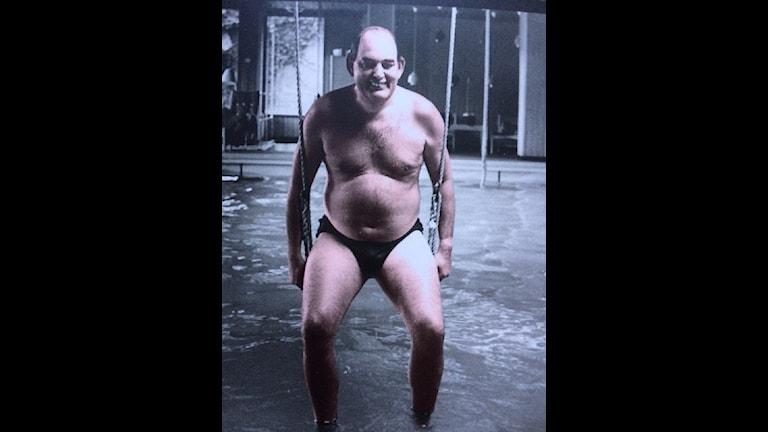 Mogens Glistrup, danska Fremskrittspartietskapare i sin privata swimmingpool på 70-talet.