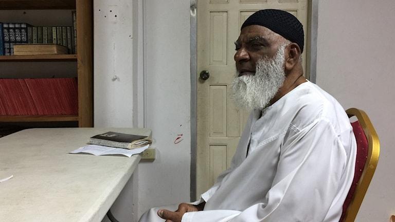 Imamen Nazim Mohammed i moskén Rio Claro på sydöstra Trinidad avfärdar anklagelserna om att han skulle rekrytera unga muslimer till terrorgruppen IS.