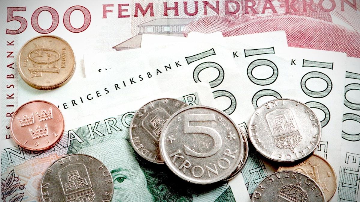 Svenska kronor och sedlar från 90-talet.