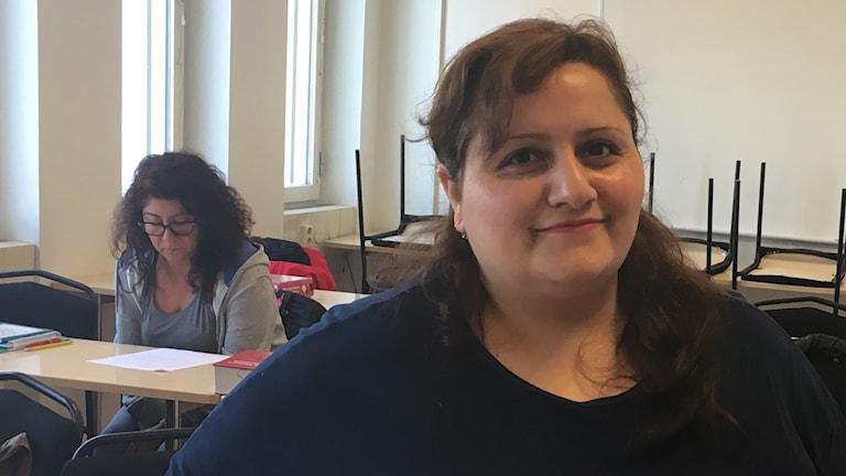 Susanna Shahinyan i klassrummet.