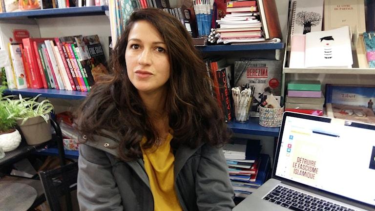 En rädd journalist blir lätt en tyst journalist, säger journalisten Zineb el Rahzoui som jobbat vid Charlie Hebdo.