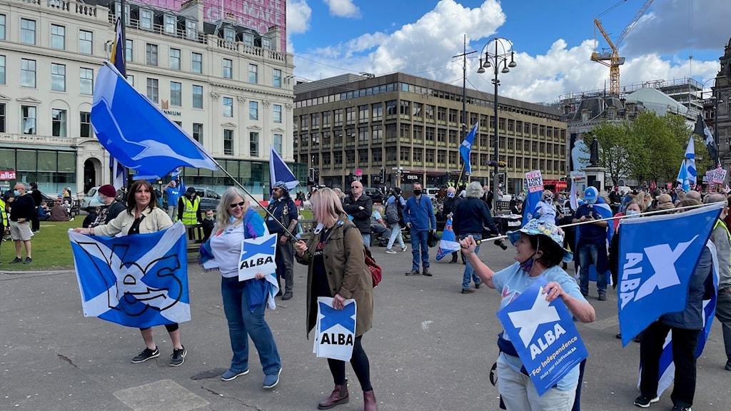 Valrörelsen i Skottland är i gång och återigen är självständighetsfrågan den det mesta kretsar kring. Här demonstration för självständighet i Glasgow i lördags