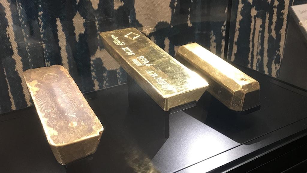 Guldtackor i Riksbankens monter