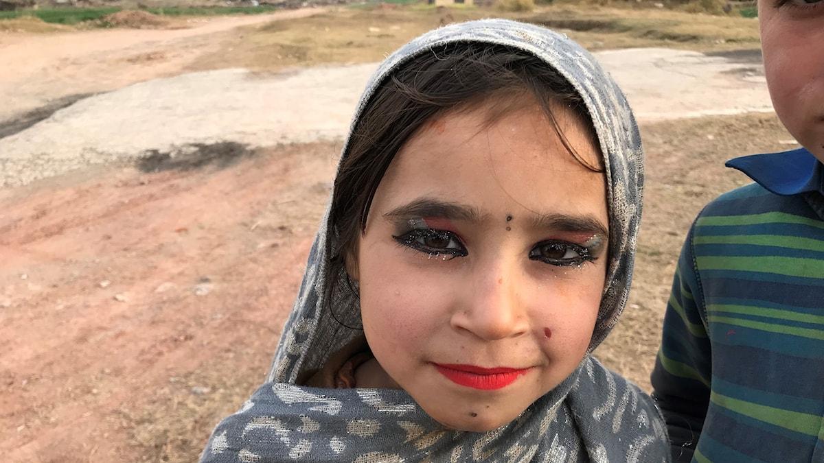 Afghansk flyktingflicka i Pakistan.