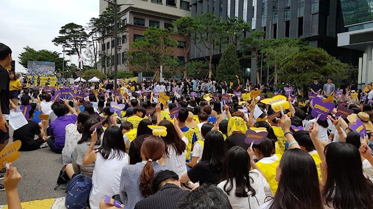 Demonstrationer i Seoul för att sexslavarna från andra världskriget ska få upprättelse.