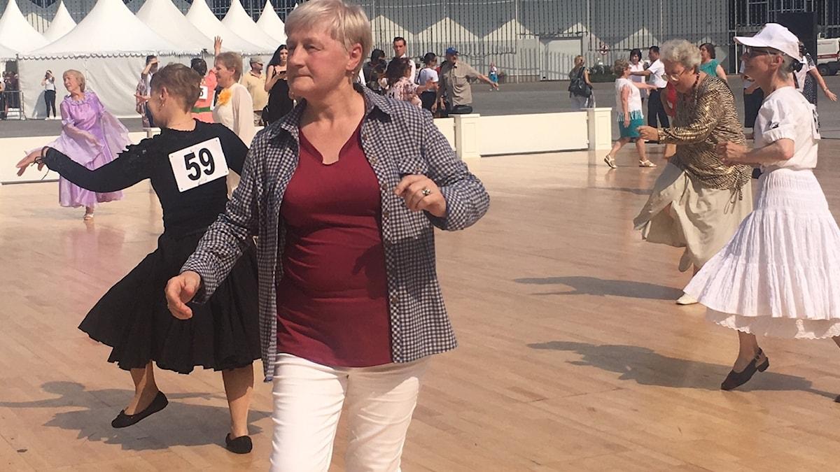 """riskvårdsprojektet """"Moskva lever länge"""" anordnar danstävling i en av Moskvas parker."""