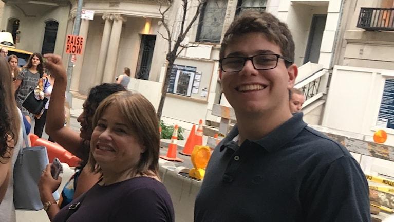 Adam Fassman från Boston, här med mamma Sharon, tycker frågan om Högsta Domstolen är det här valets viktigaste.