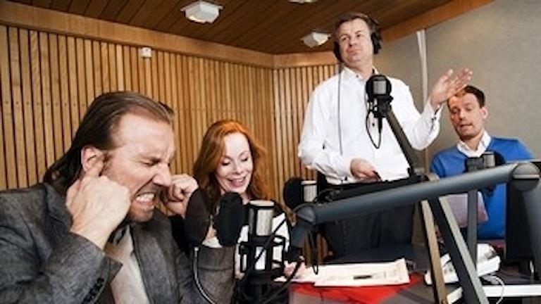 Public Service i P1 med Erik Blix, Rachel Mohlin, Göran Gabrielsson och Mattias Konnebäck.