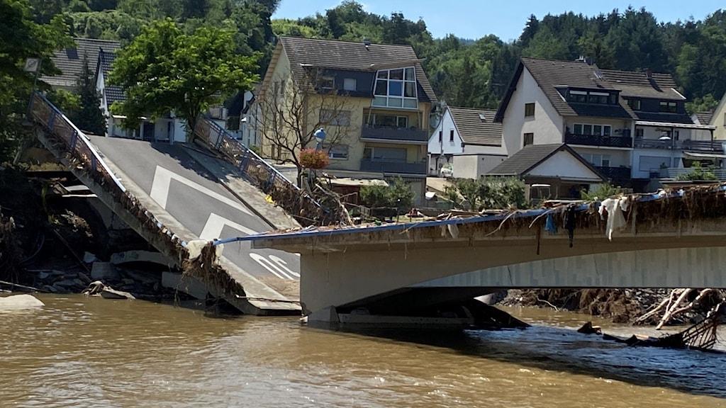 Bro som rasat samman