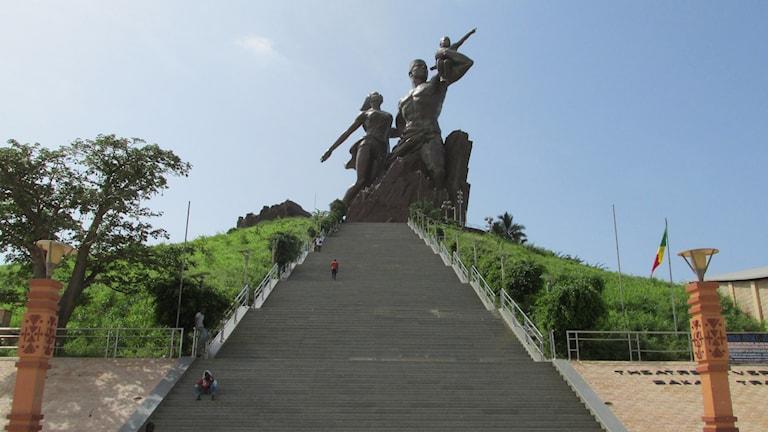 """""""Monumentet över Afrikas återfödelse"""" i Senegals huvudstad Dakar."""