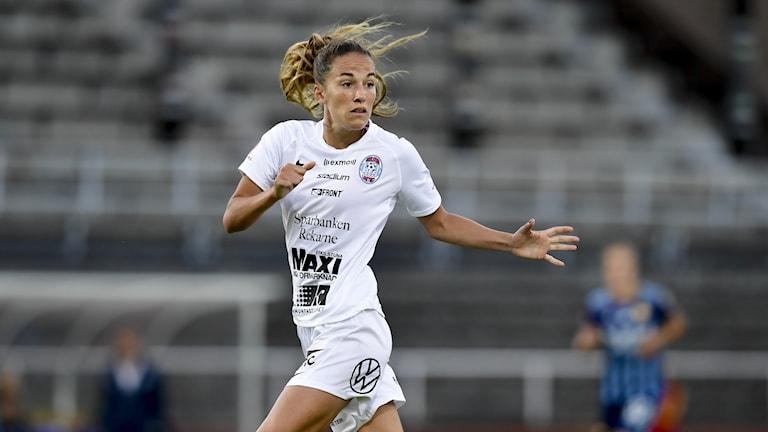 Eskilstunas Anna Oskarsson under onsdagens allsvenska fotbollsmatch mellan Djurgården och Eskilstuna på Stockholms Stadion i Stockholm.