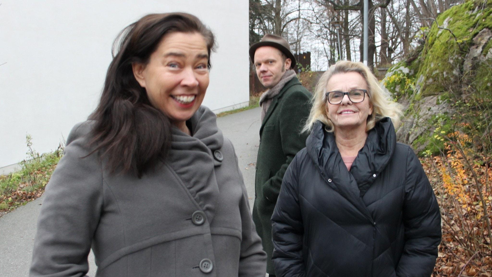 Marie Lundström, Olof Wretling och Marie Göranzon.