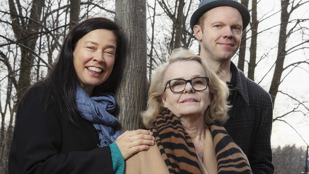 Marie Lundström, Marie Göranzon och Olof Wretling.